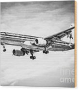 Amercian Airlines 757 Airplane In Black And White Wood Print