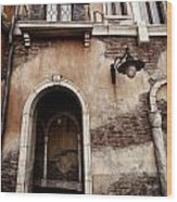 Arched Passage In Old Rustic Venetian House Wood Print