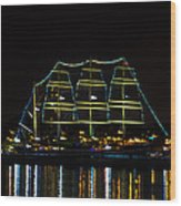 At Night On The  Delaware River - The Mushulu Wood Print