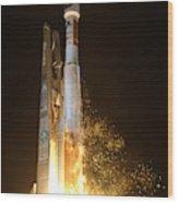 Atlas V Rocket Taking Off Wood Print