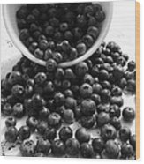 B And W Blueberries Wood Print