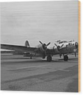B17 Bomber Parked Wood Print