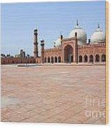 Badshahi Mosque In Lahore Pakistan Wood Print