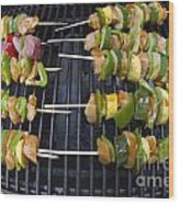 Barbeque Kabobs On Grill Wood Print