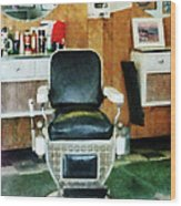Barber - Barber Chair Front View Wood Print