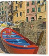 Barca Rossa A Rio Maggiore Wood Print