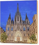 Barcelona Cathedral At Night Wood Print