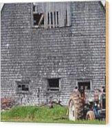 Barn And Tractor Pei Wood Print