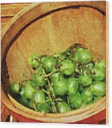 Basket Of Green Grapes Wood Print by Susan Savad
