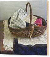 Basket With Cloth And Measuring Tape Wood Print