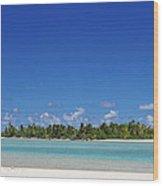 Beach Island In Aitutaki Wood Print
