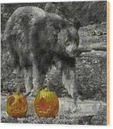 Bear And Pumpkins Wood Print