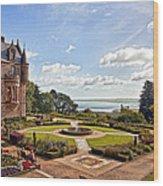 Belfast Castle Cat Garden Wood Print