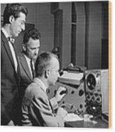 Bell Lab Scientists At Work Wood Print