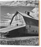 Big Barn Near Ellensburg Washington 2 Wood Print
