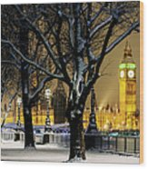 Big Ben And Houses Of Parliament In Snow Wood Print