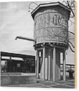 Black And White Of A Water Tower Wood Print