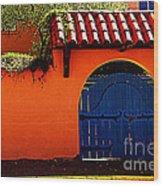 Blue Gate In Santa Fe Wood Print