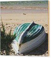 Boat On Devonshire Bay Beach Wood Print