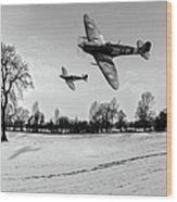Low-flying Spitfires Black And White Version Wood Print