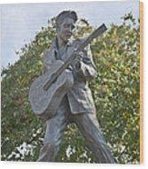 Bronze Elvis Wood Print by Liz Leyden