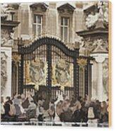 Buckingham Palace Gates Wood Print