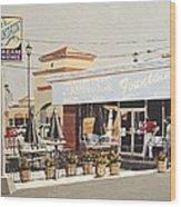 Burr's On Folsom Boulevard Wood Print
