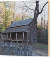Cabin In Cade's Cove Wood Print by Regina McLeroy