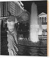 Caesars Fountain Bw Wood Print