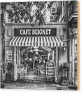 Cafe Beignet Morning Nola - Bw Wood Print