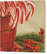 Candycanes With Berries And Pine Wood Print