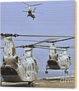 Ch-46e Sea Knight Helicopters Take Wood Print