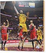 Chicago Bulls V Cleveland Cavaliers - Wood Print