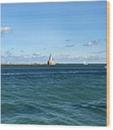 Chicago Illinois Harbor Lighthouse And Little Lady Tour Boat Usa Wood Print