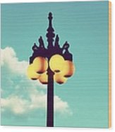 Chicago Lamp Post And Blue Skies Wood Print