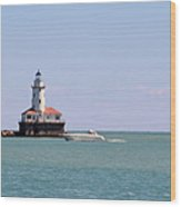 Chicago Light House With Boat In Lake Michigan Wood Print