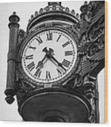 Chicago Macy's Marshall Field's Clock In Black And White Wood Print