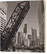 Chicago River Traffic Bw Wood Print