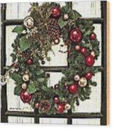 Christmas Wreath On Black Door Wood Print