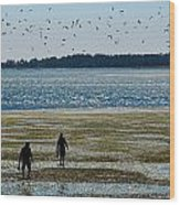 Clammers Wood Print by Mamie Gunning