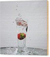 Berry Big Splash Wood Print