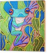Climbing Tree Frog Wood Print