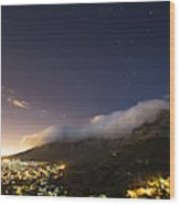 Clouds Loom Over Table Mountain In Cape Wood Print