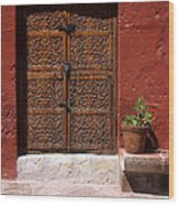 Colonial Door And Geranium Wood Print