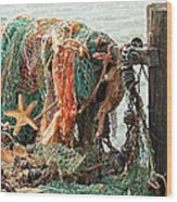 Colorful Catch - Starfish In Fishing Nets Wood Print