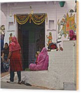 Colorful Family Gathering Ancestral Home Udaipur Rajasthan India Wood Print