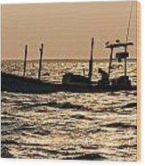 Crabbing On The Bay Wood Print
