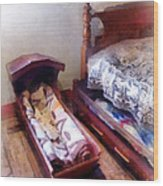 Cradle With Quilt Wood Print