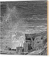 Crashing The Rocks Wood Print