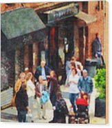 Crowded Sidewalk In New York Wood Print